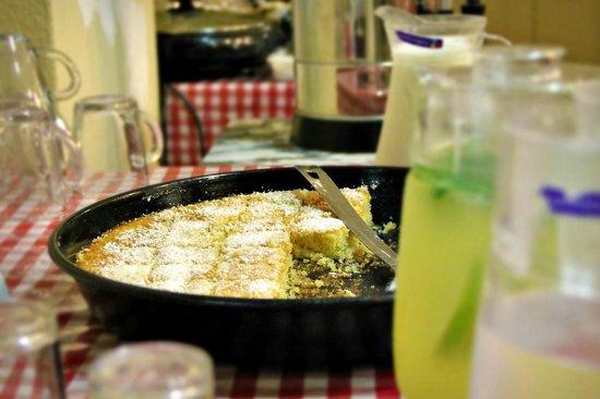 The Fauzi Azar Inn: Breakfast