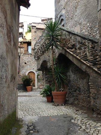 B&B Il Casale Dei Fiori: Strada medievale di Tivoli