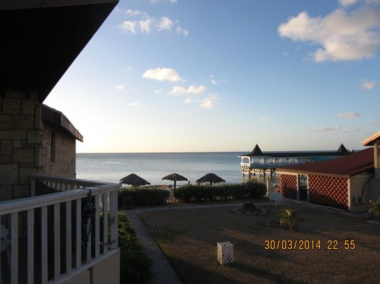 Halcyon Cove by Rex Resorts : View from room