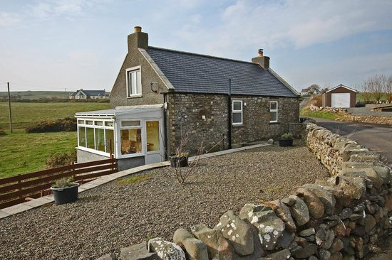 Mull of Galloway Holidays: Auld Smiddy Cottage