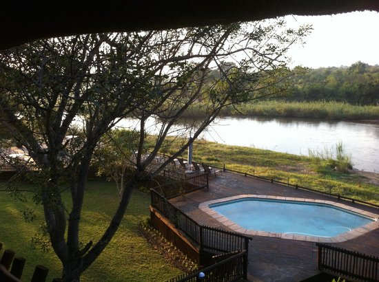 Sabie River Bush Lodge: View from the dining room in the morning