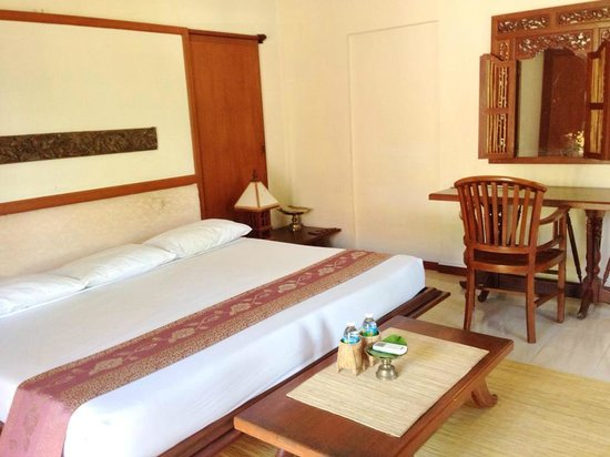 The Aryani Terengganu: Our extra large comfy King sized bed in room #9