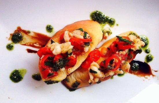 Tango Luxe Beach Villa: prawn bruscetta