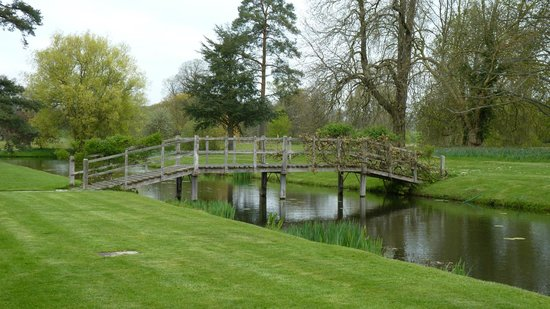 Hever Castle & Gardens: The Grounds at Hever