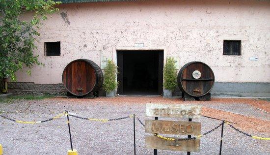 Museo del vino: Entrance to cart display