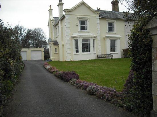 Elm Villa