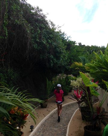 Playa Escondida: Walk from Sol 1 to restaurant