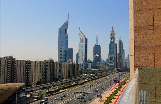 Fairmont Dubai : View from the Sunrise pool