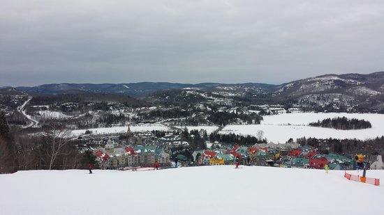 Station Mont Tremblant : 3/4 of a way down the main run