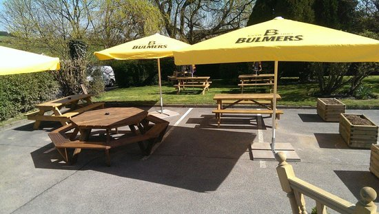 The Foresters Arms: The new beer garden