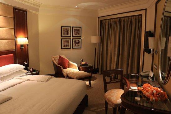 Shangri-La's Eros Hotel : Room