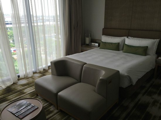 Crowne Plaza Changi Airport: Bedroom