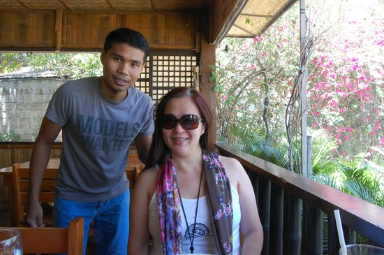Bamboo House Beach Lodge & Restaurant: with Dennis, the best reception I've ever met