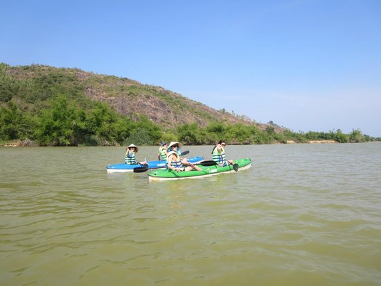 Vietnam Active - Adventure Company and Dive Center: Love the kayaking