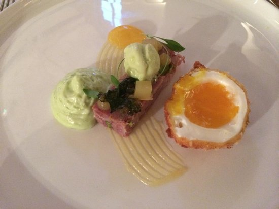 The Raven Hotel & Restaurant: Chefs take on a scotch egg (It was really good)
