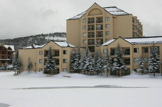 Marriott's Mountain Valley Lodge at Breckenridge: The resort from base of Peak 9
