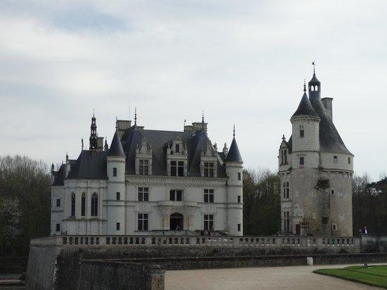 Loire Valley - Day Tours: Vista geral do Chateau Chaumont.sur Loire