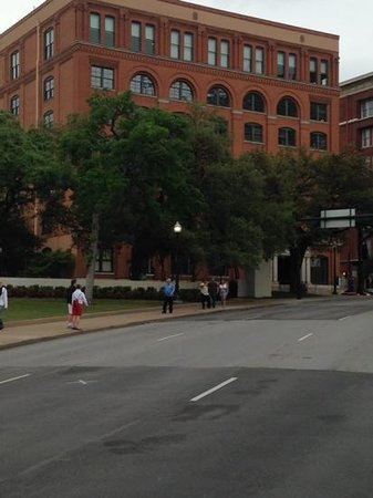 Dealey Plaza National Historic Landmark District: lower left x on street is where JFK was shot