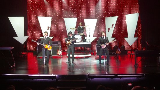 B - A Tribute to The Beatles : Great music and show