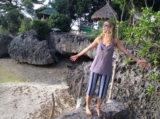 Sea Turtle House Moalboal: The little beach