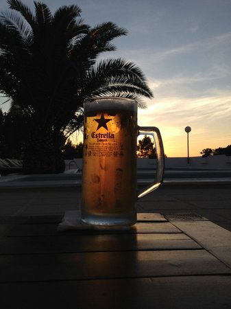 Sunset Oasis Ibiza: Ice cold beer... Thanks Tito