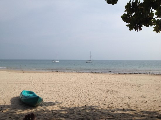 Anda Lanta Resort: The beach