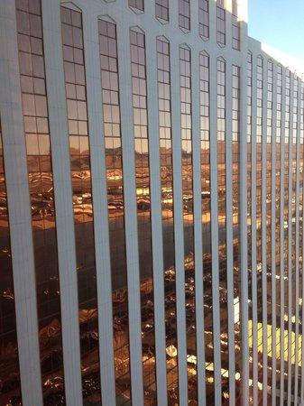 Grand Sierra Resort and Casino : Good looking building!!