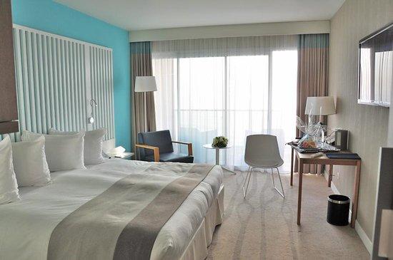 Radisson Blu Resort & Spa, Ajaccio Bay : Notre chambre avec vue sur la mer