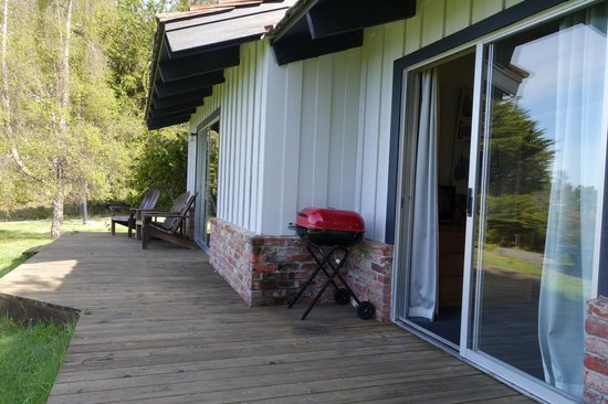 The Andiron -- Seaside Inn & Cabins: Patio