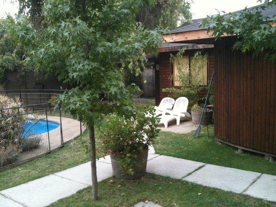 B&B Stella Bordestero: la zona de piscina vista desde la cabaña