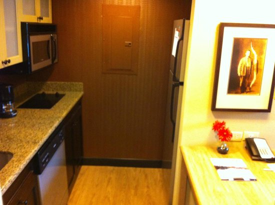 Homewood Suites by Hilton Austin / Round Rock : Kitchen