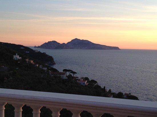 Francischiello Hotel & Spa Bellavista: Coucher de soleil sur Capri