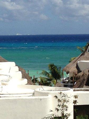 El Taj Oceanfront & Beachside Condos Hotel: View from rooftop deck