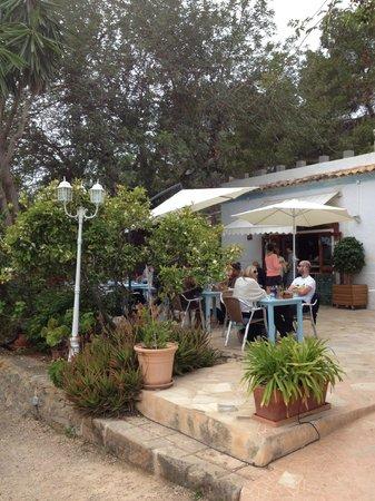 La paloma: Al Fresco eating