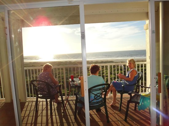 Holiday Inn Club Vacations Cape Canaveral Beach Resort: Relaxing on our ocean front balcony