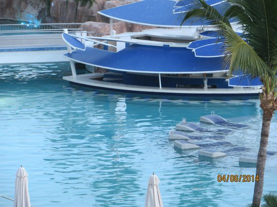 Hard Rock Hotel Vallarta : Swim up pool bar