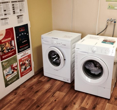 Patio Hostel : The FREE laundry room ...
