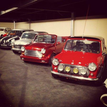 Emirates National Auto Museum : Mini parade