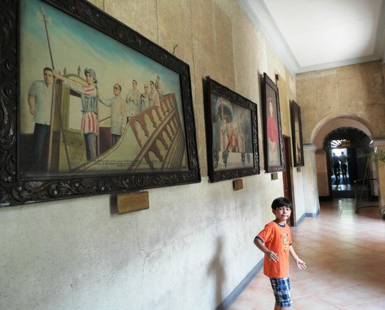 old paintings depicting the history of sto nino de cebu picture
