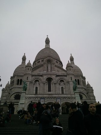 Basilique du Sacré-Cœur de Montmartre : the Sacre Coeur at twilight