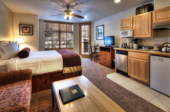 Grand Timber Lodge: Suite Room View