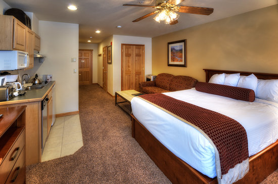 Grand Timber Lodge: Suite Bedroom