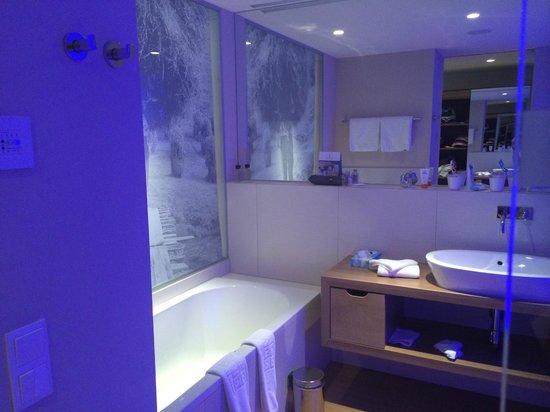 Hotel Bergland: de badkamer