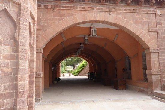WelcomHeritage Bal Samand Lake Palace : Lobby so Majestic
