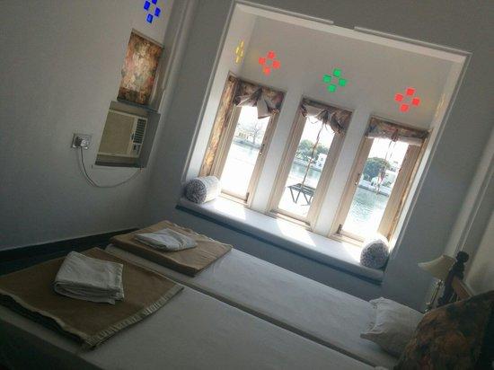 Hotel Aashiya Haveli: Our room on first floor