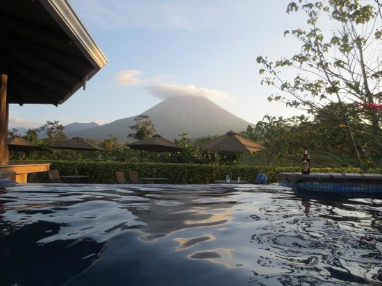 Arenal Manoa Hotel : view from the pool
