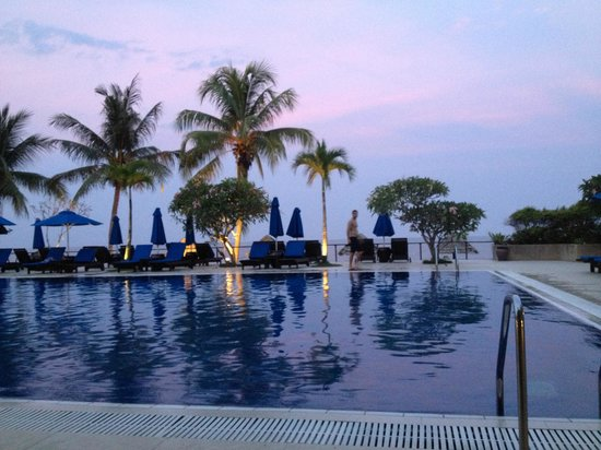 Hyatt Regency Kuantan : one of the pools