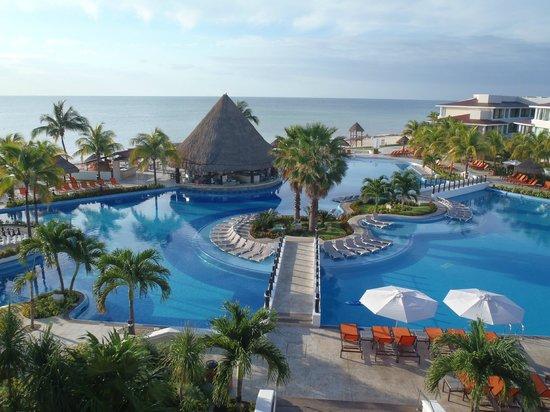 Moon Palace Cancun : Pool area