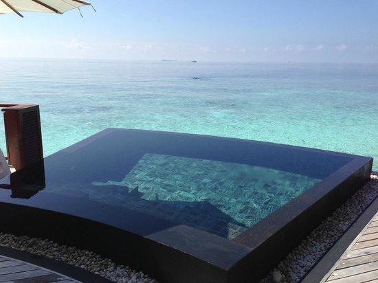 Constance Halaveli: Halaveli Resort