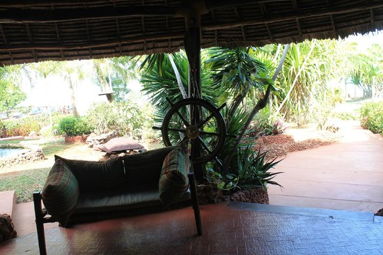 Ras Nungwi Beach Hotel : Another Lounge Area